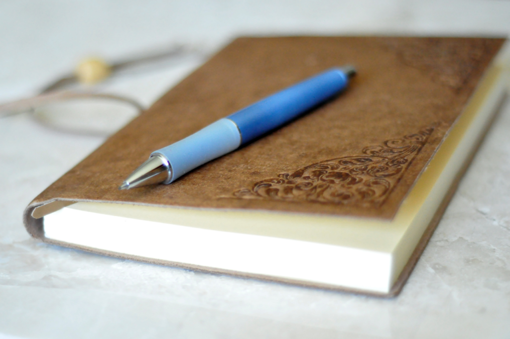 5 Tips To Help You Get Back Into Journaling